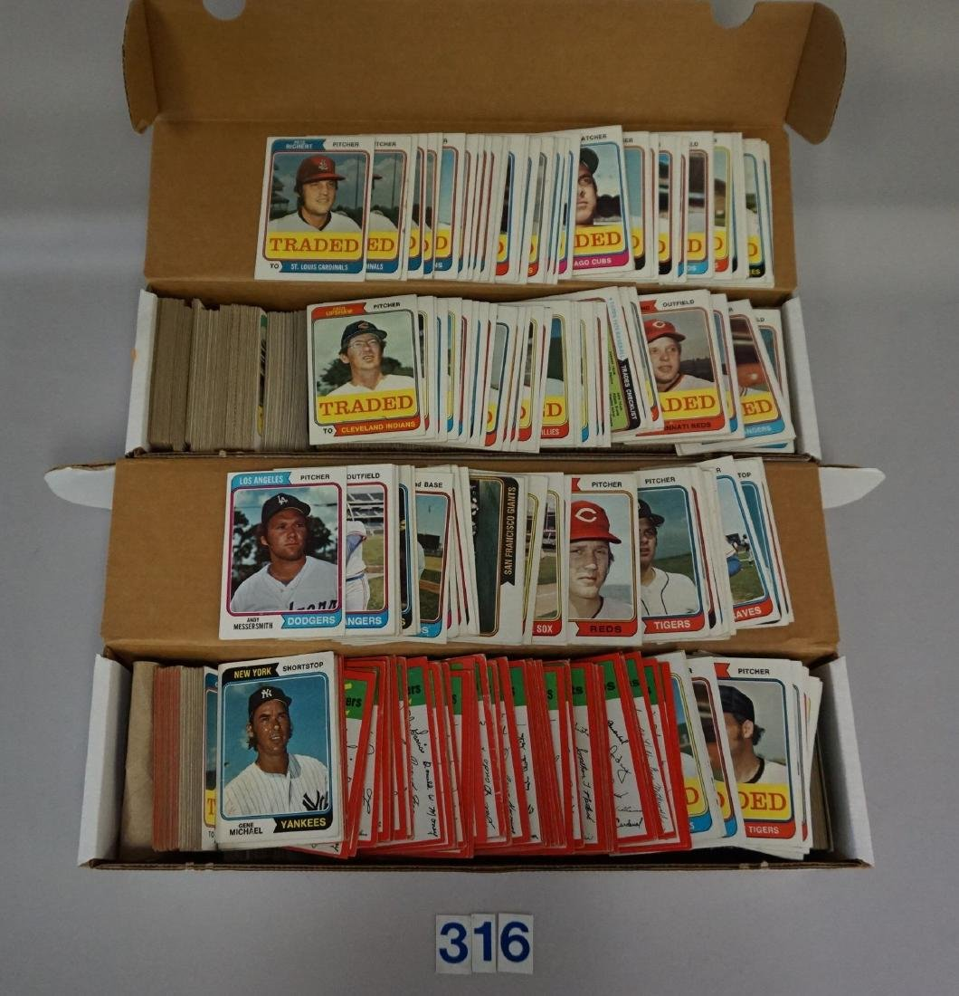 BOX WITH (APPROX. 700+) 1974 TOPPS BASEBALL