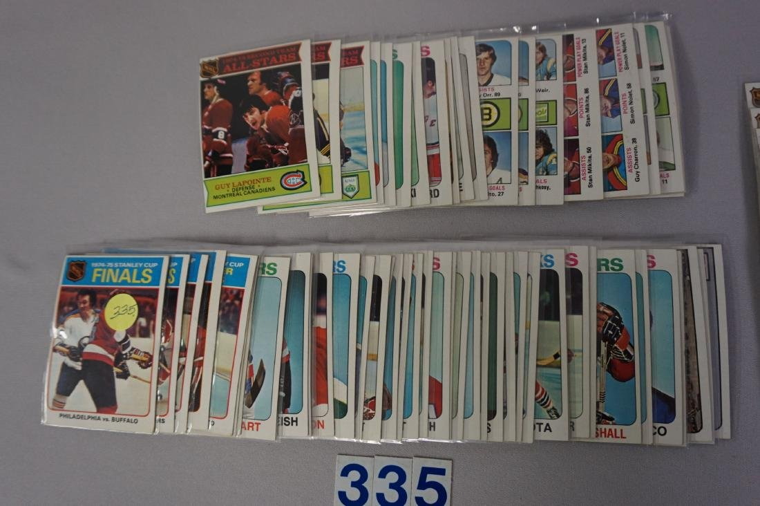 (175 DIFF.) 1975-'76 TOPPS HOCKEY CARDS - 3