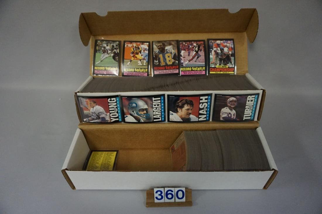 (2 BOXES) 1985 TOPPS FOOTBALL CARDS