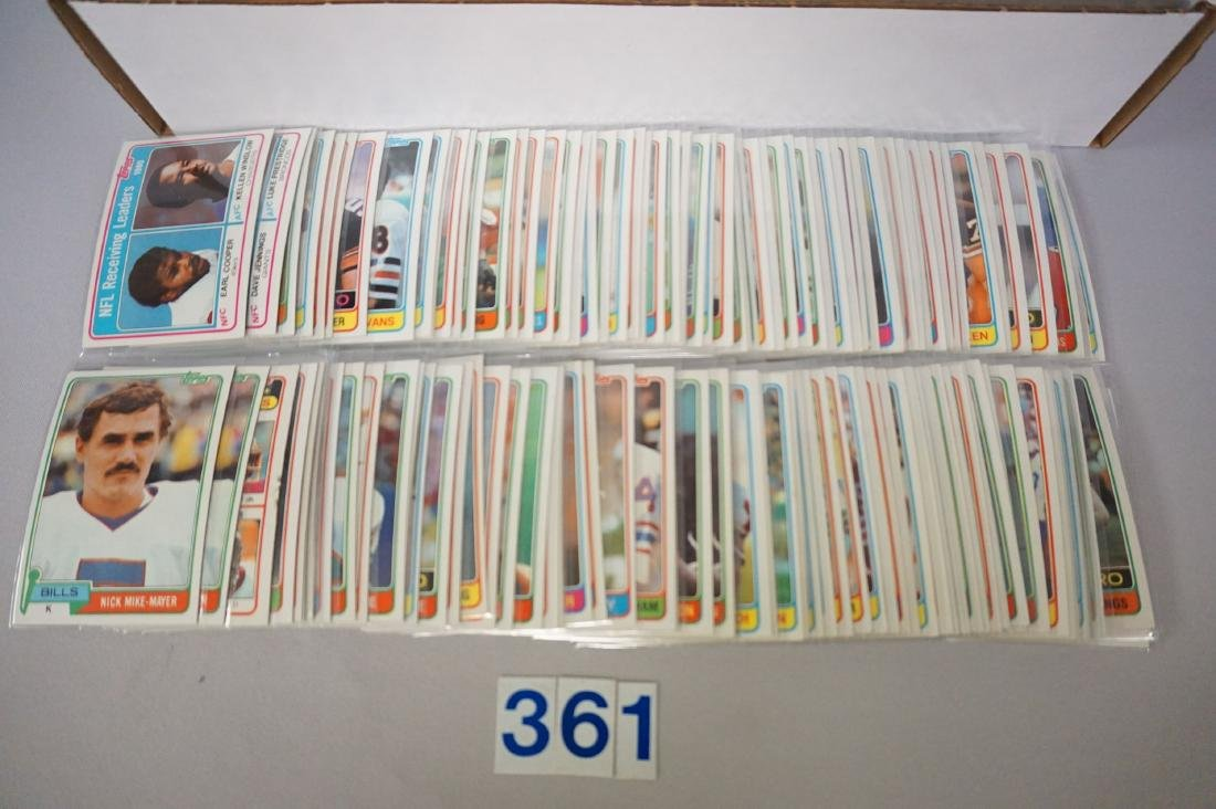 (540+) 1982 TOPPS FOOTBALL CARDS - 2