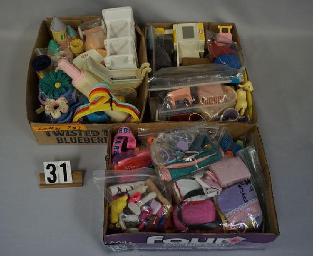 BOX OF ASSORTED OUTFITS - 5