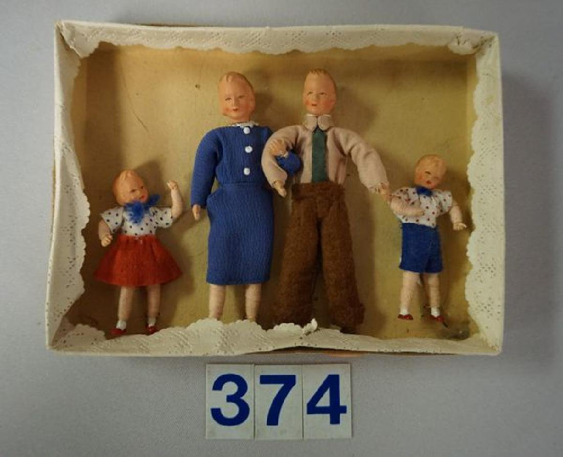 LOT: DOLL HOUSE 'FAMILY OF DOLLS' - 3