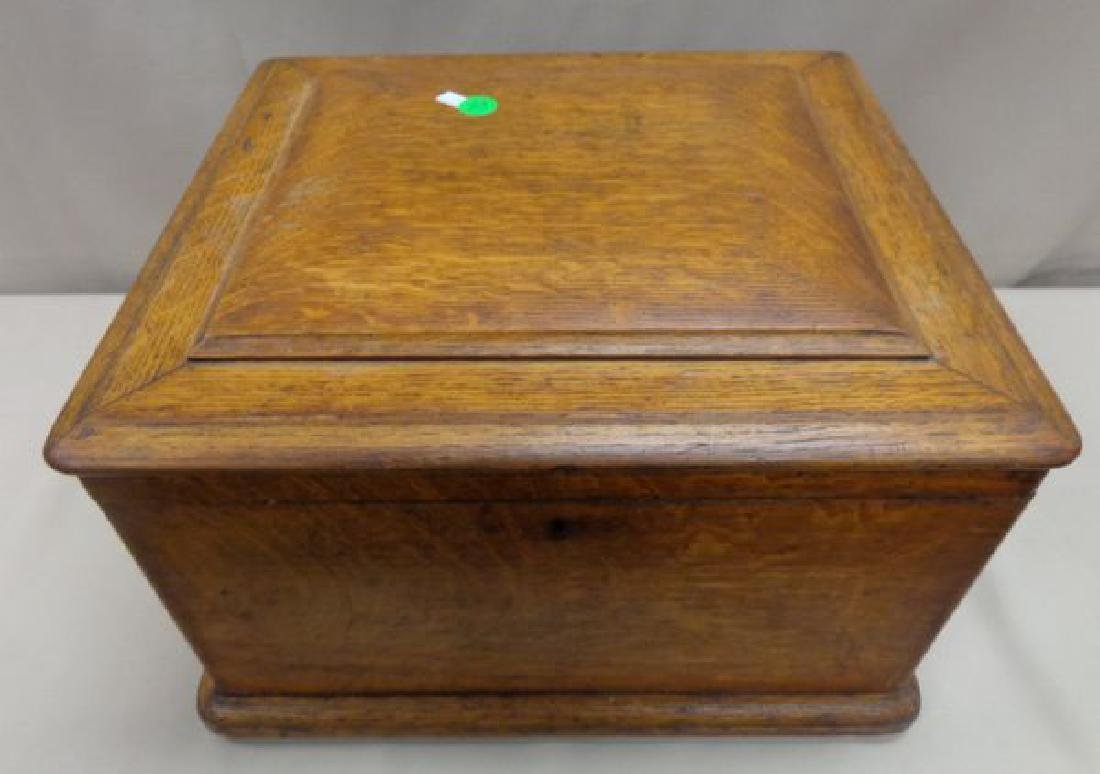ANTIQUE REGINA DISC MUSIC BOX - 3