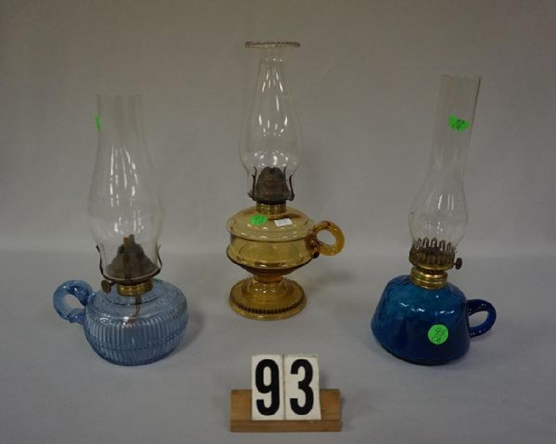 (3 PIECES) FINGER-HELD KEROSENE NIGHT LAMPS: