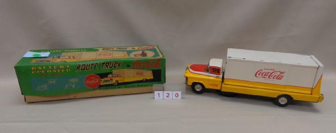 VINTAGE YELLOW & WHITE BATTERY OPERATED