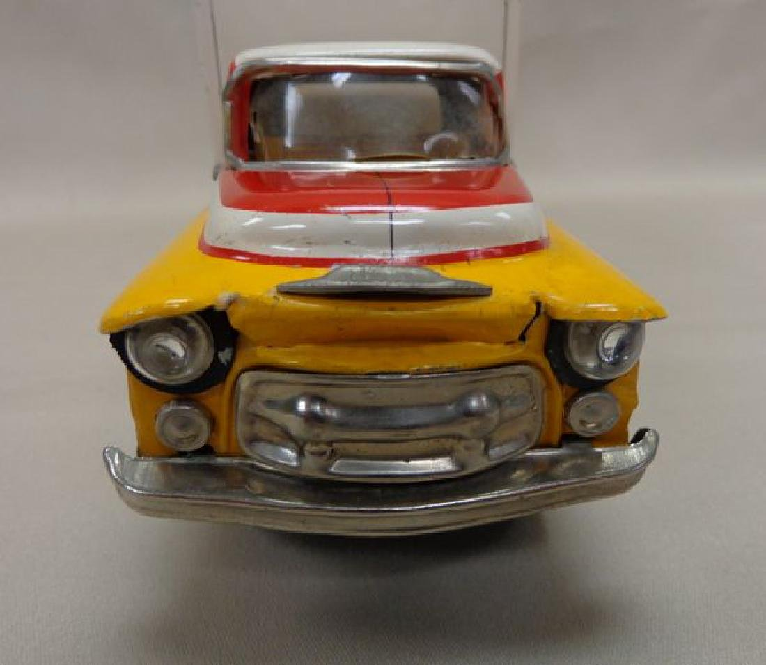 VINTAGE YELLOW & WHITE BATTERY OPERATED - 4