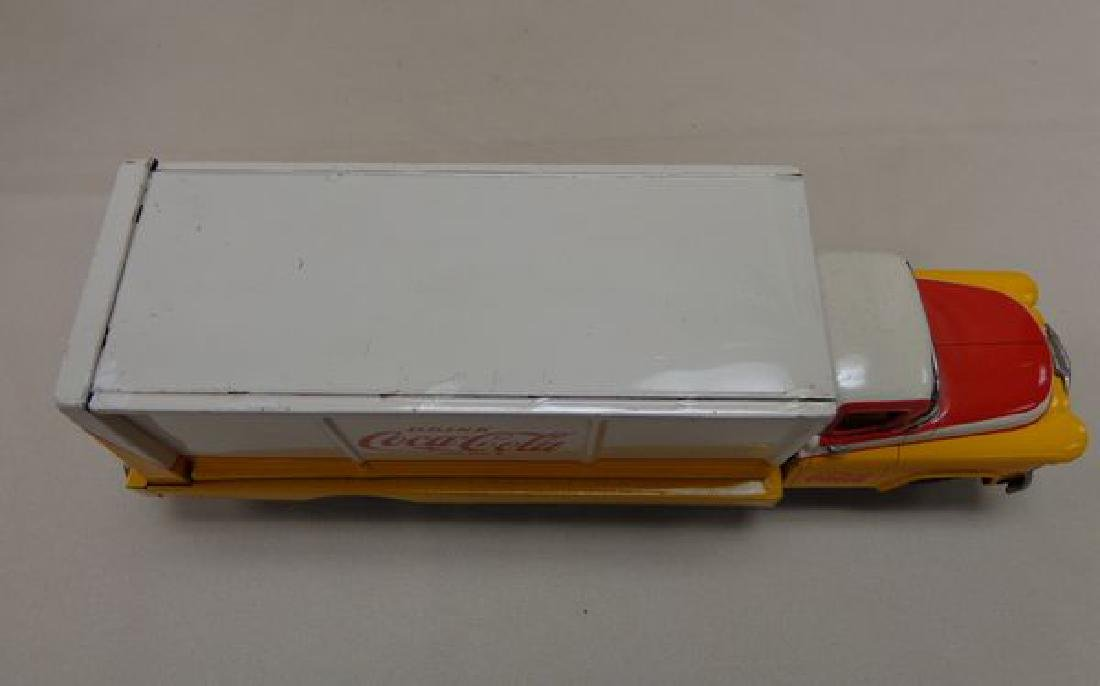 VINTAGE YELLOW & WHITE BATTERY OPERATED - 6