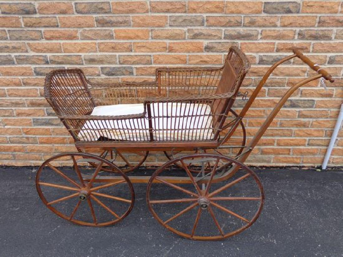ANTIQUE VICTORIAN WICKER BABY CARRIAGE - 2