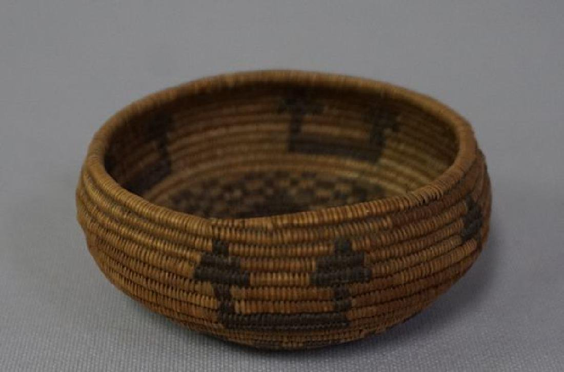 VINTAGE SOUTHWEST INDIAN BASKET, - 5