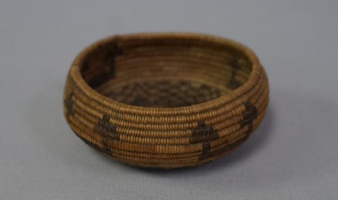 VINTAGE SOUTHWEST INDIAN BASKET, - 6