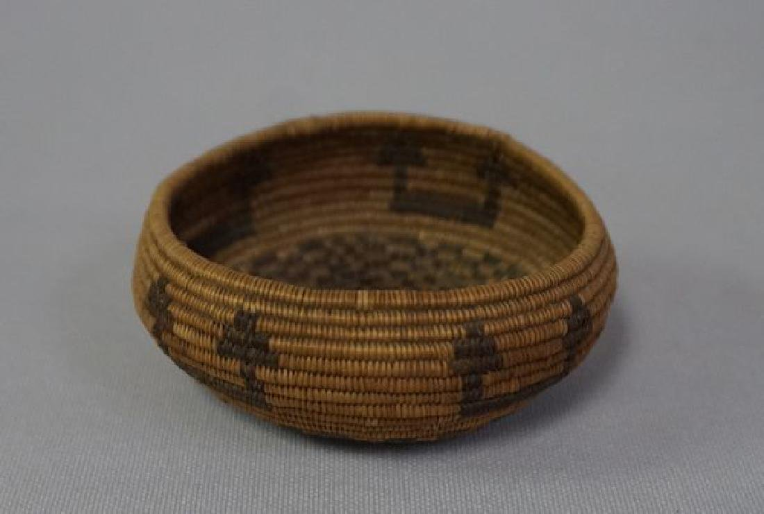 VINTAGE SOUTHWEST INDIAN BASKET, - 7