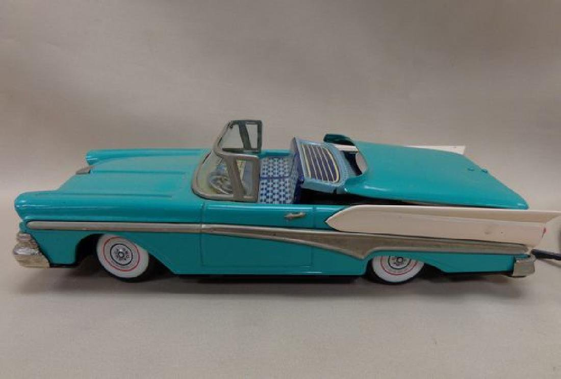 BATTERY OPERATED TIN 195 ? FORD THUNDERBIRD - 2
