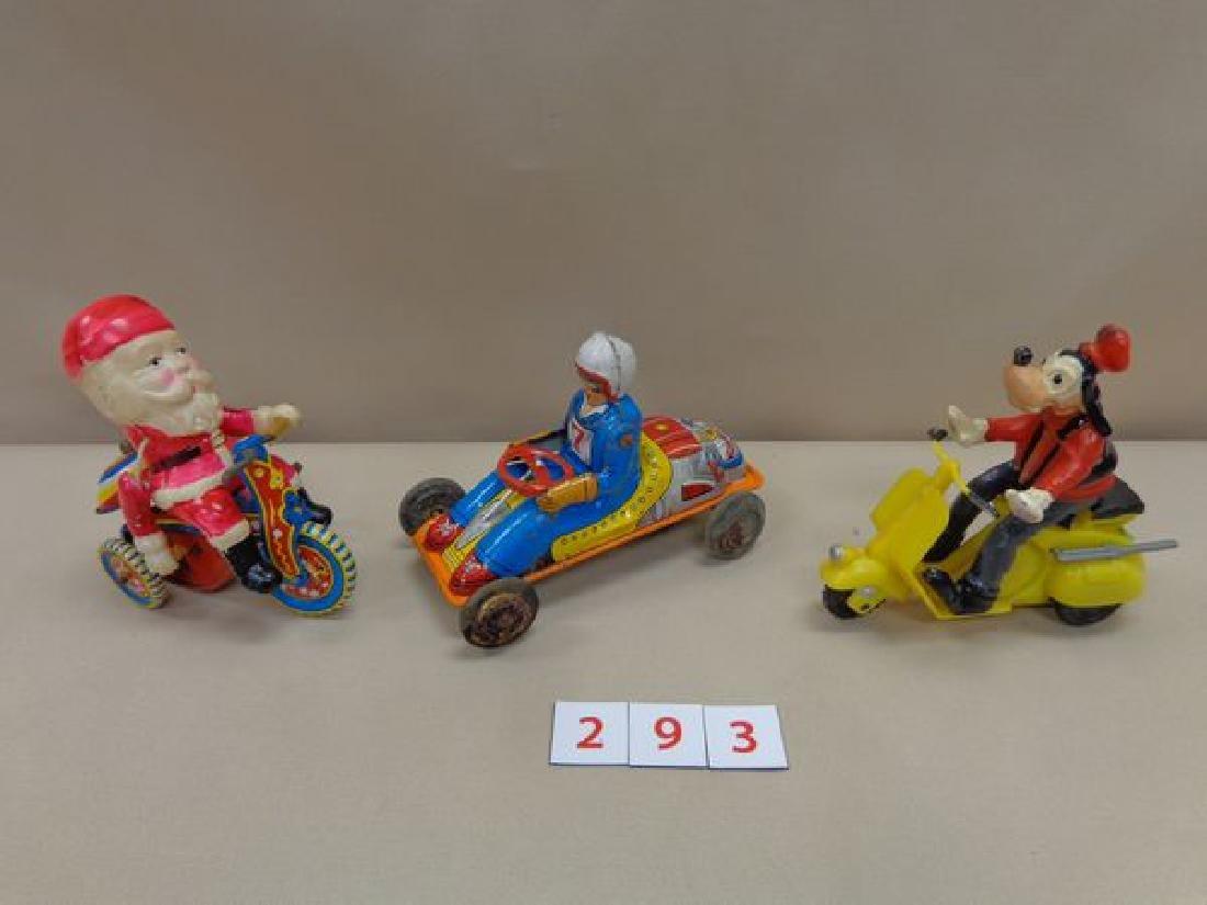 TIN RACE CAR & DRIVER FRICTION CAR