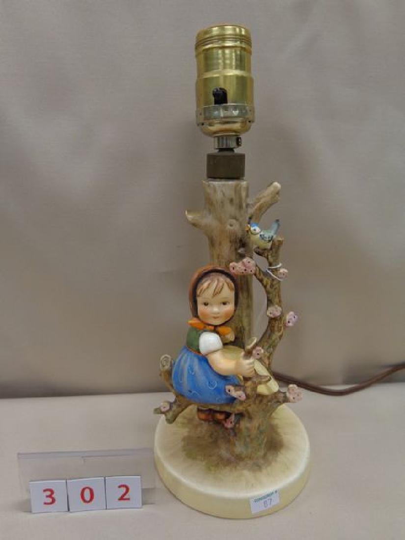 "HUMMEL - ""APPLE TREE GIRL"" (TABLE LAMP)"