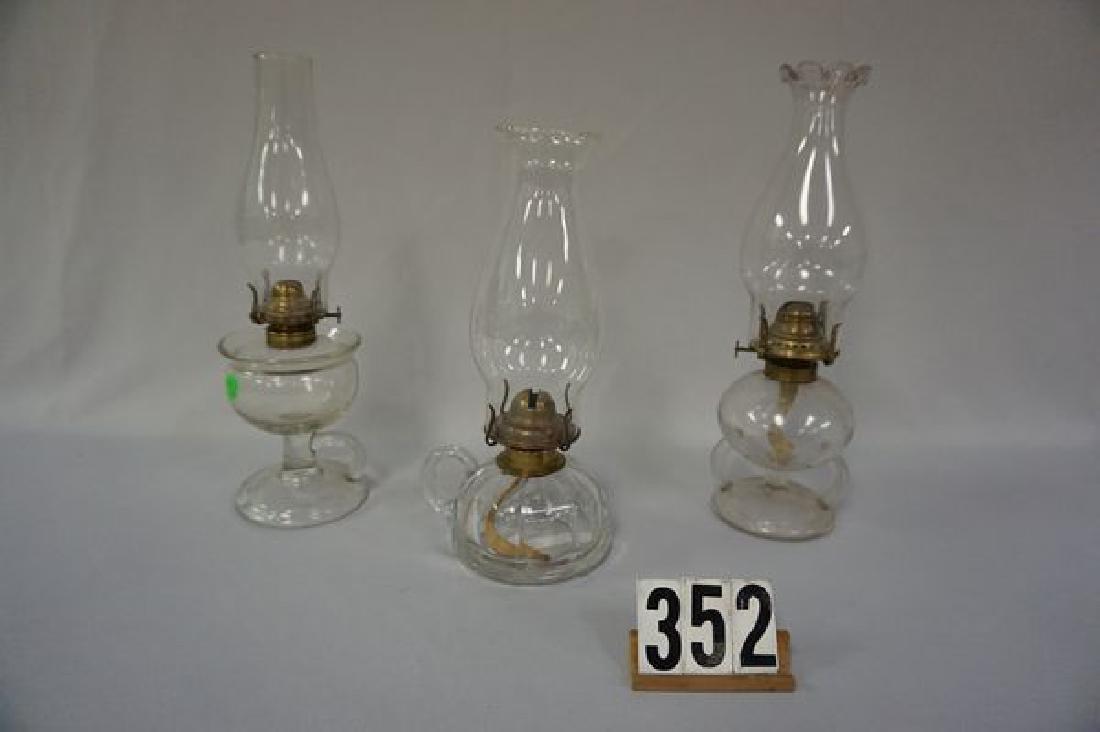 (3 PIECES) FINGER-HELD KEROSENE NIGHT LAMPS: - 2