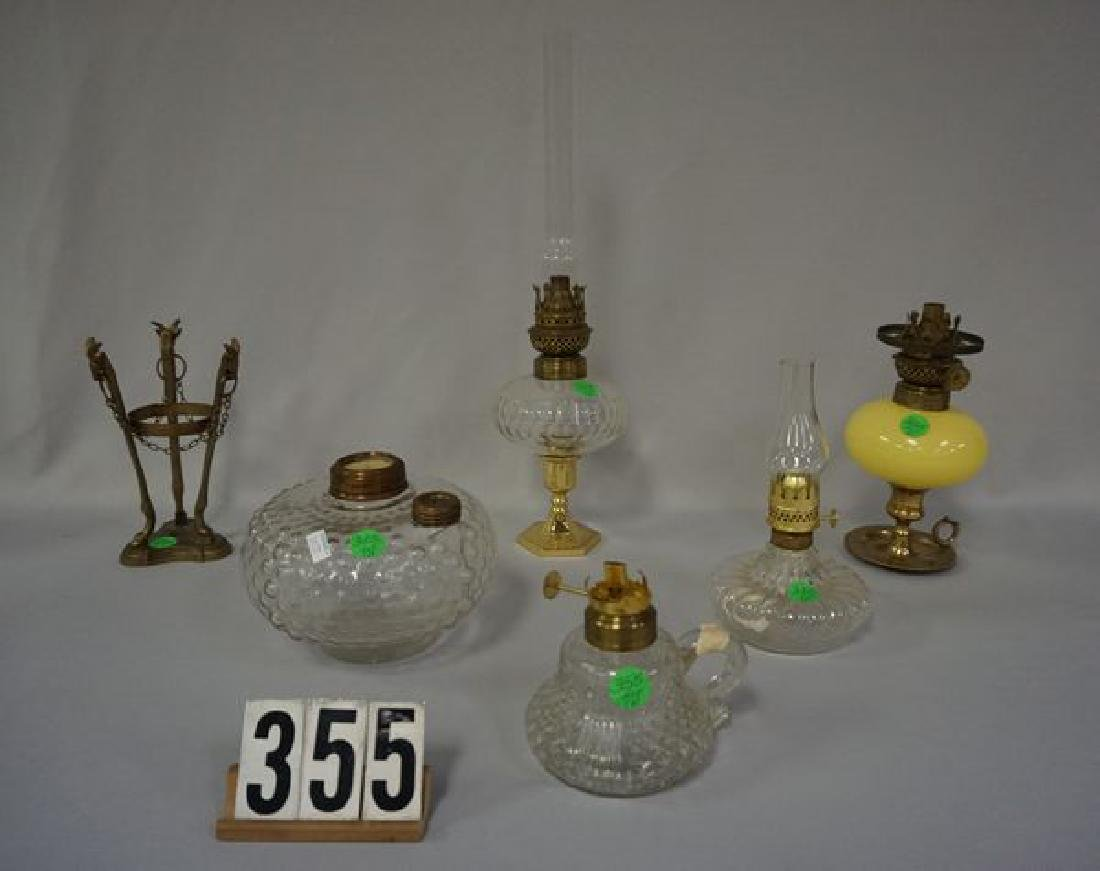 LOT: ASSORTED KEROSENE LAMPS