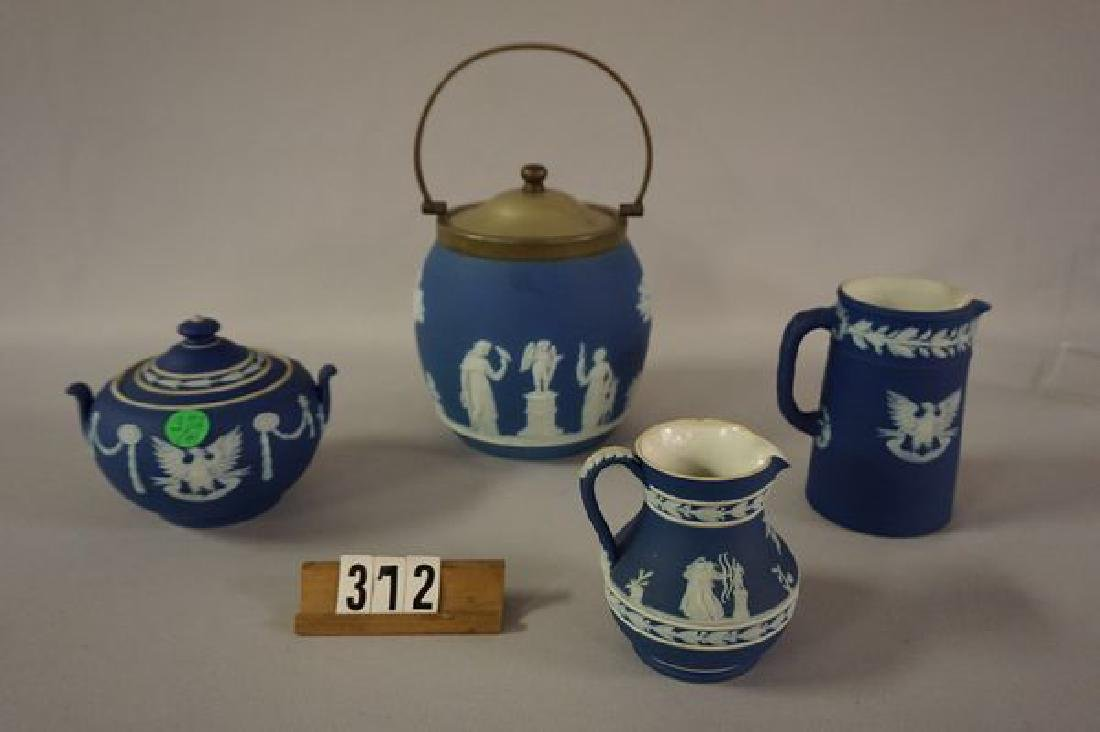(4 PIECES) WEDGWOOD: - 2