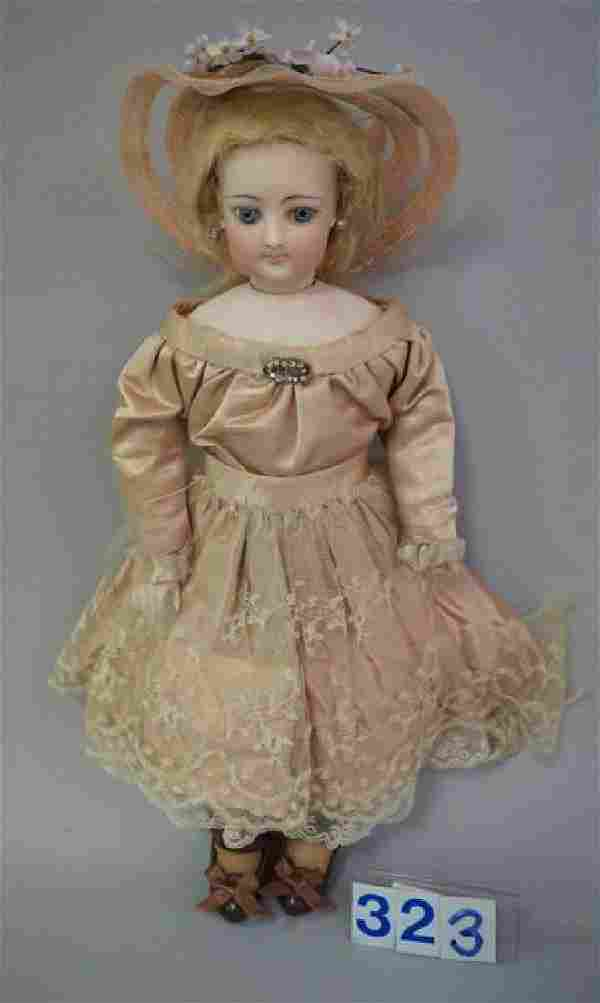 UNMARKED FRENCH FASHION DOLL
