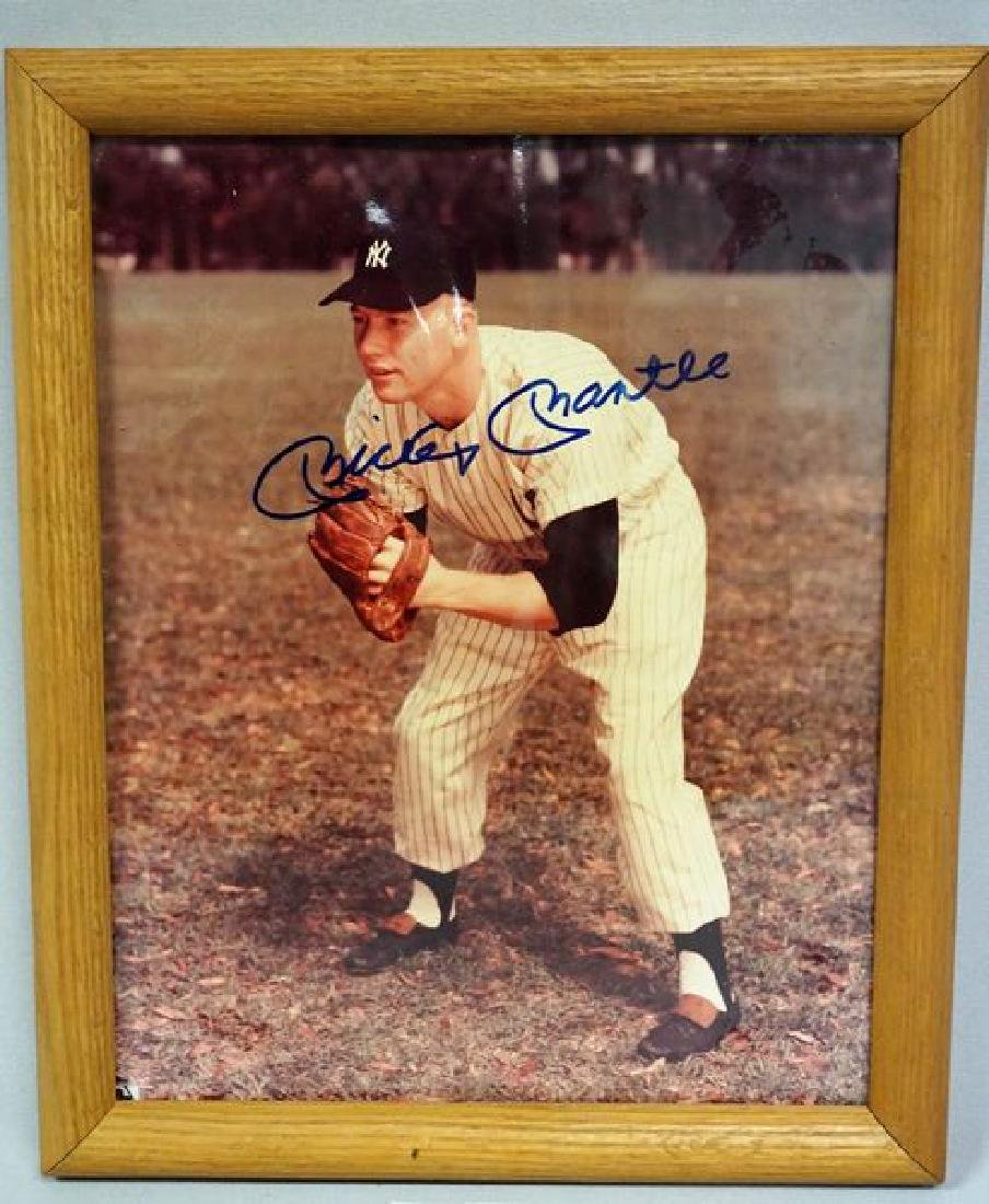 MICKEY MANTLE AUTOGRAPHED 8 X 10 INCH COLOR