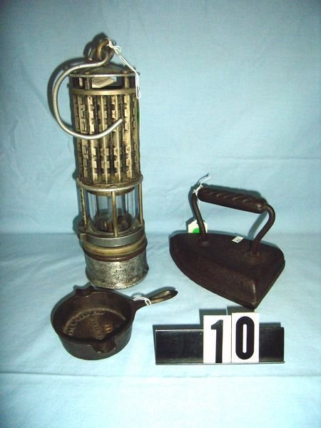 10: MINER'S SAFETY LAMP, MINIA. ADV. CAST IRON FRYPAN