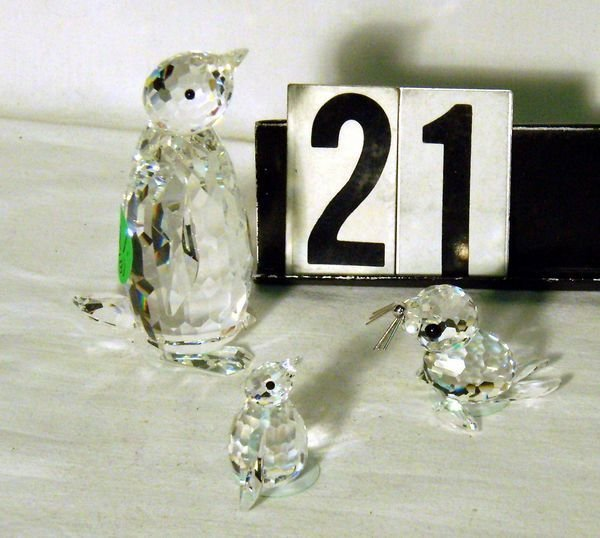 21: SWAROVSKI CRYSTAL LARGE & SMALL PENGUIN AND SEAL