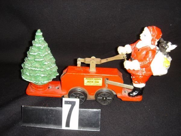 7: Lionel Mickey Mouse and Santa Handcar