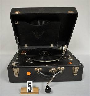 VINTAGE RCA MFG. CO. SUITCASE MODEL RECORD PLAYER: