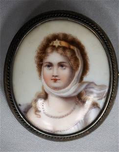 VICTORIAN ERA BROOCH WITH PAINTING ON PORCELAIN