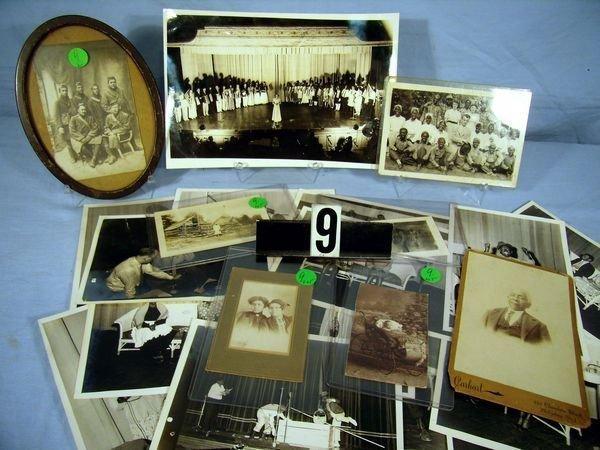 1009: PHOTO LOT: INCLUDES 20 BLACK & WHITE 1940'S PHOTO