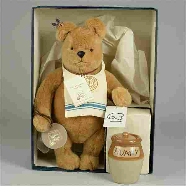 R. JOHN WRIGHT WINNIE THE POOH WITH HONEY POT 14 IN.