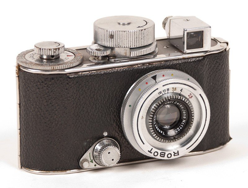 Robot Film Camera with Leather Case