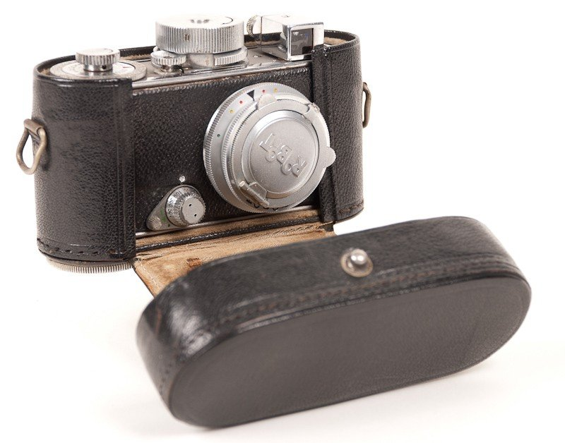Robot Film Camera with Leather Case - 7