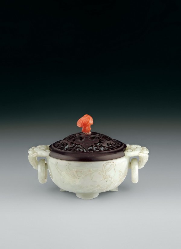 7: White Jade Censer  Period:   Mid-Qing Dynasty  Size