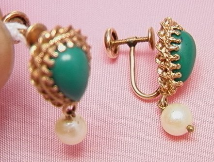 16: 14K turquoise and pearl dangle earrings14K turquois