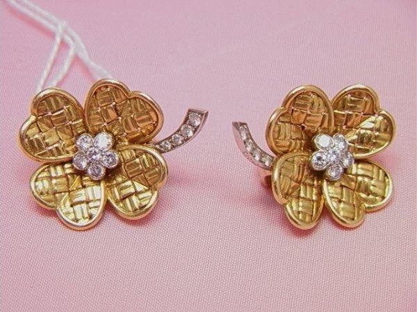 17: VAN CLEEF & ARPELS gold diamond shamrock Earrings
