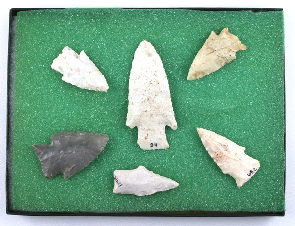 8A: Set of 6 assorted Indian Arrowheads AACA