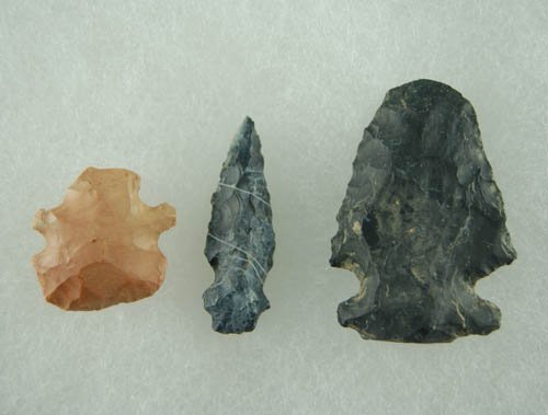 5: Set of 3 OH Anciently renotched/salvaged points. Lar