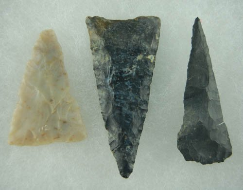 """13: Set of 3 OH Triangles that measure 2"""" to 2 7/8"""" lon"""