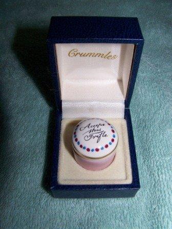 308: Crummles American Heritage Deerfield Pill Box