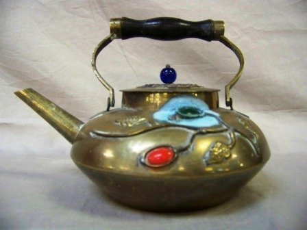 6: 3D Chinese Lacquered Tea Pot