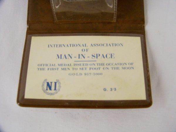 160: Vintage Apollo 11- 917/1000 Gold Coin - 3
