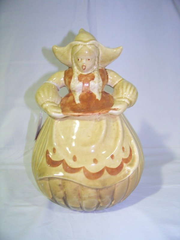 17: Early Redwing Pottery Little Red Riding Hood Cookie