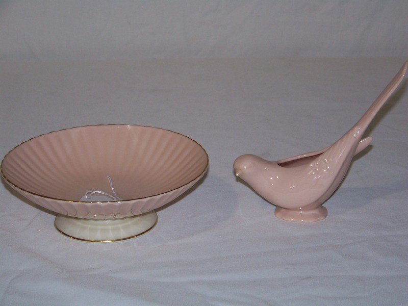 23: Vintage Blue Mark Pink Lenox Bird & Gold Rimmed Pin