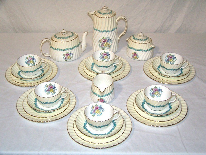 "17: Mintons ""Ardmore"" Luncheon Set"