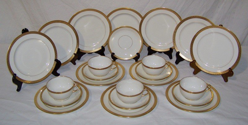 18: 23 Pcs. of  Vignaud Limoges China Set