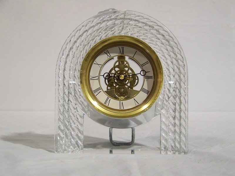 8: Great Hoya Crystal Art Deco Style Desk Clock