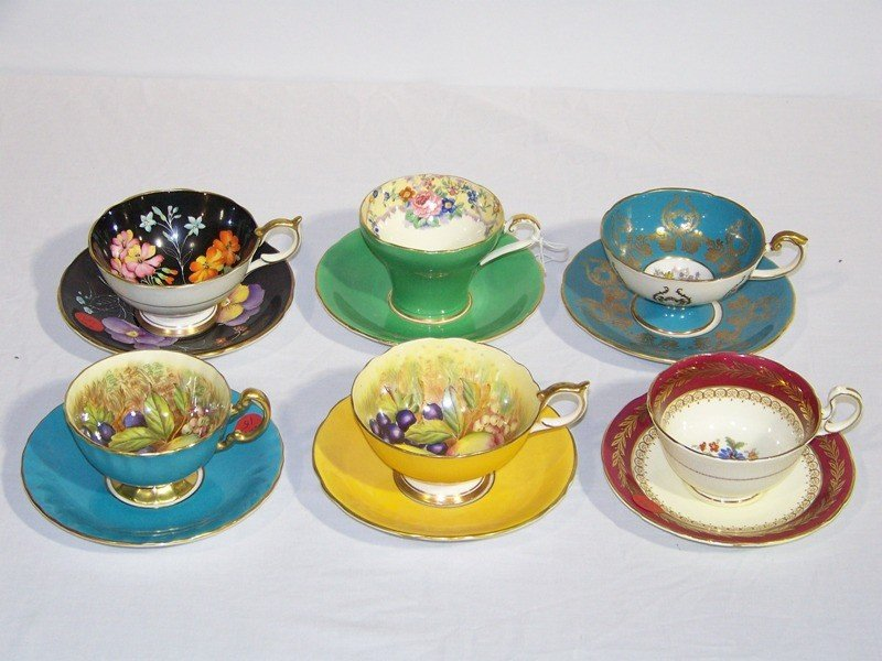 15: Set 6 Cups & Saucers by: Aynsley England