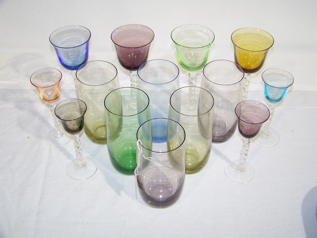 15: 14 Pc's. of Colored Drinking Glasses