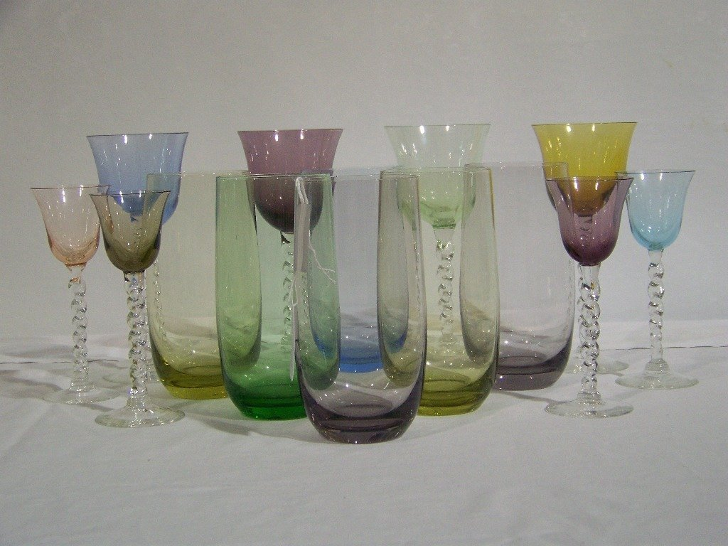 15: 14 Pc's. of Colored Drinking Glasses - 3