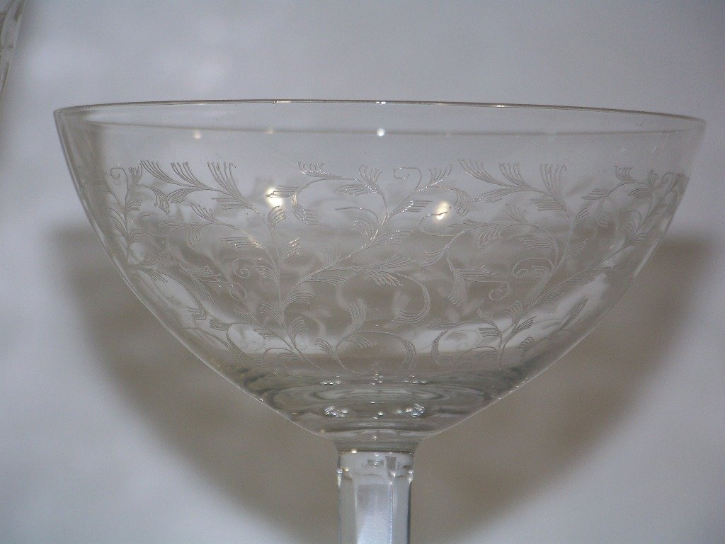 13: Great Vintage Set of Etched Glasses 35 pc's.
